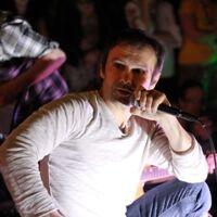 "Фото: Святослав Вакарчук (17.05.14, ""День вуличної музики"")"